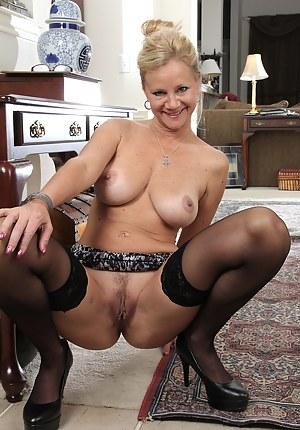 Mature Women Porn Pictures